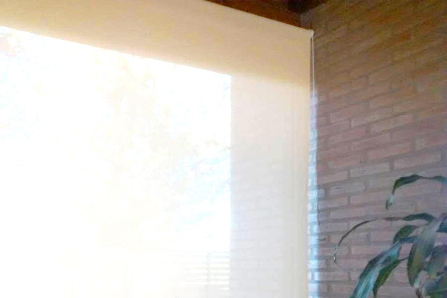 CORTINAS ROLLER SUNSCREEN Y DECORACIÓN ZEN EN VILLA LUISA NEUQUÉN